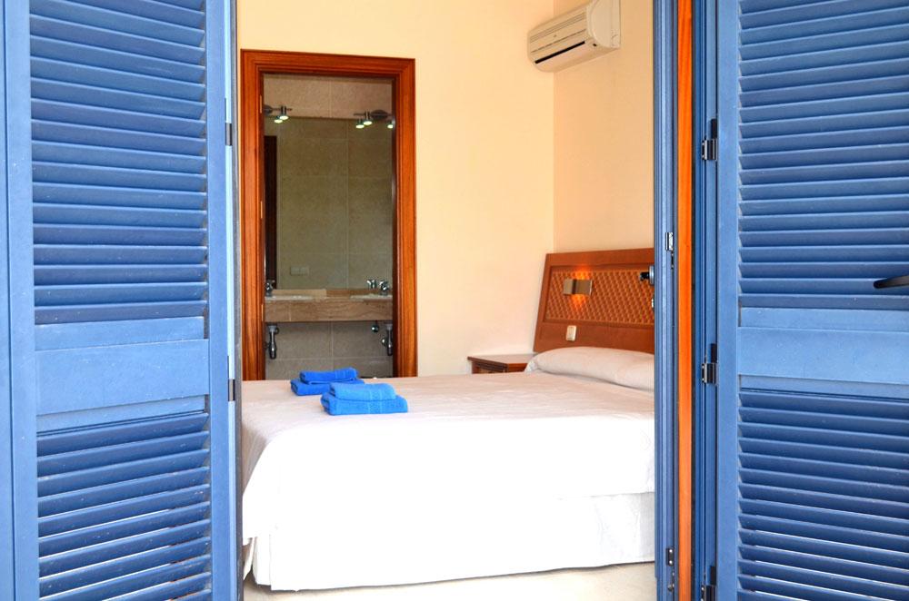 bedroom-patio-doors